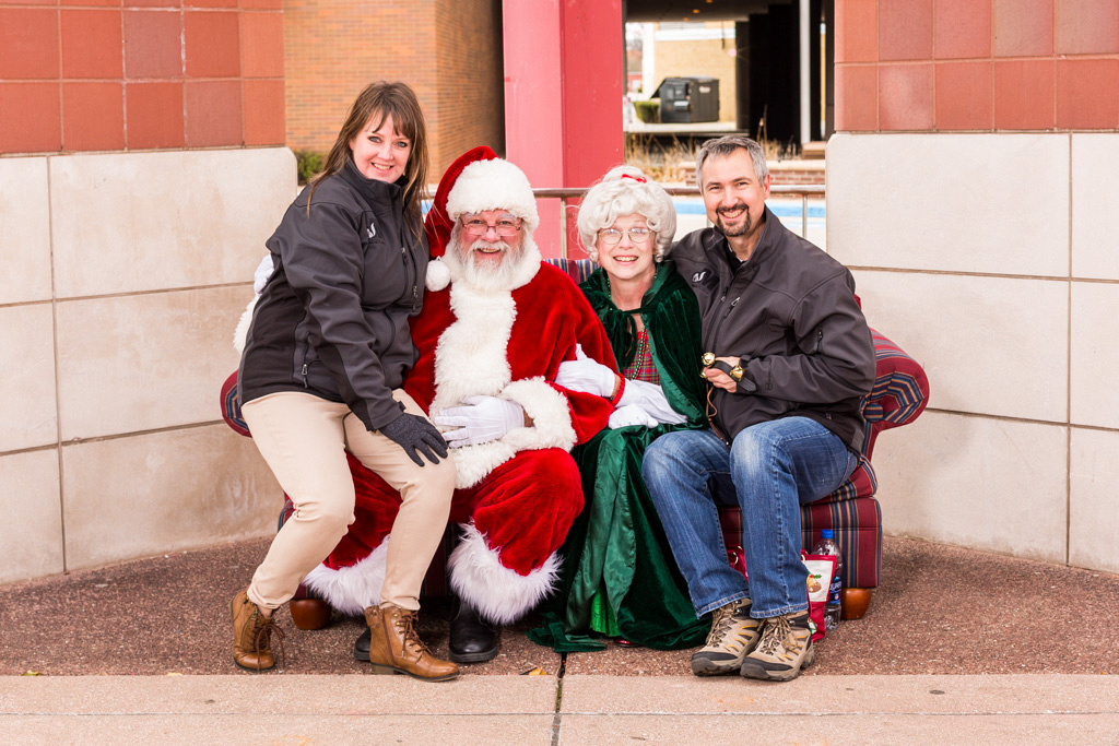 picture of Santa and Mrs. Claus and photographers