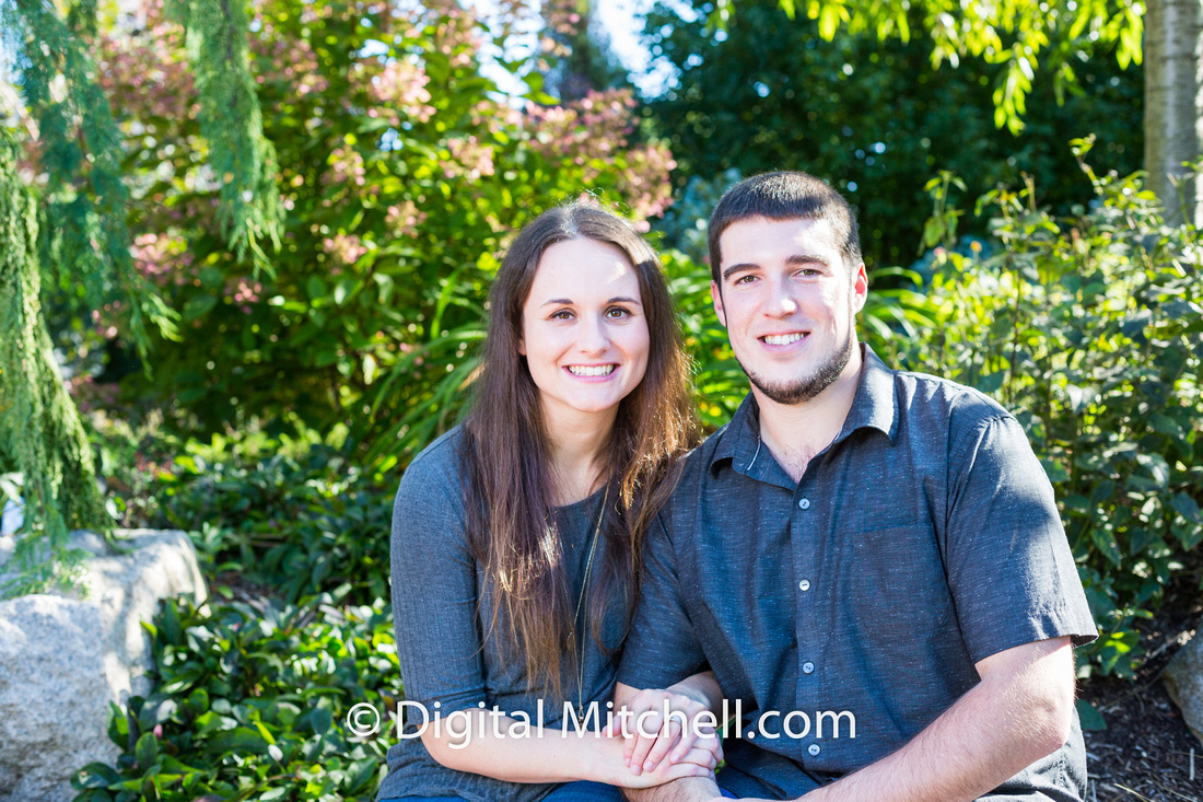 Picture of couple at the gardens for family portraits