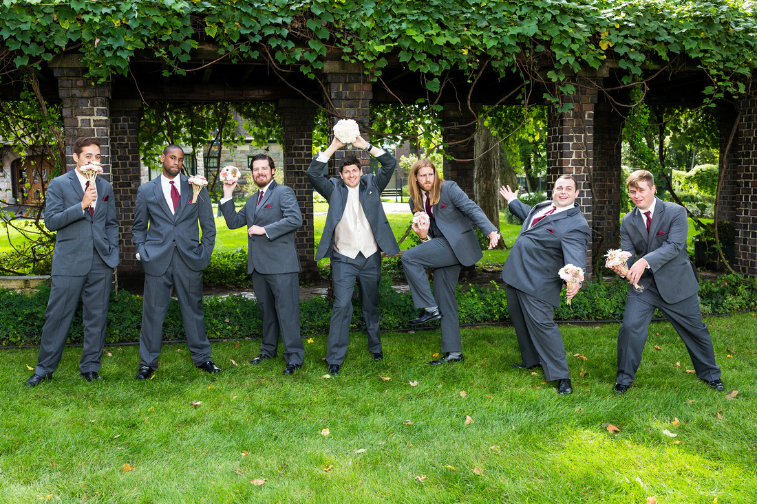 picture of the groomsmen
