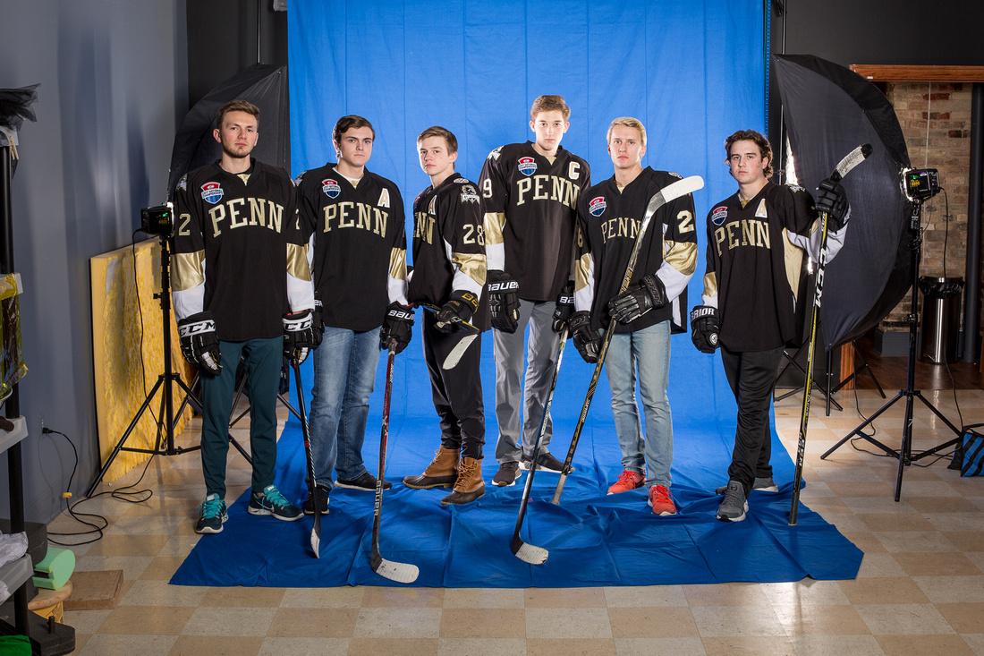picture of Penn HS hockey seniors