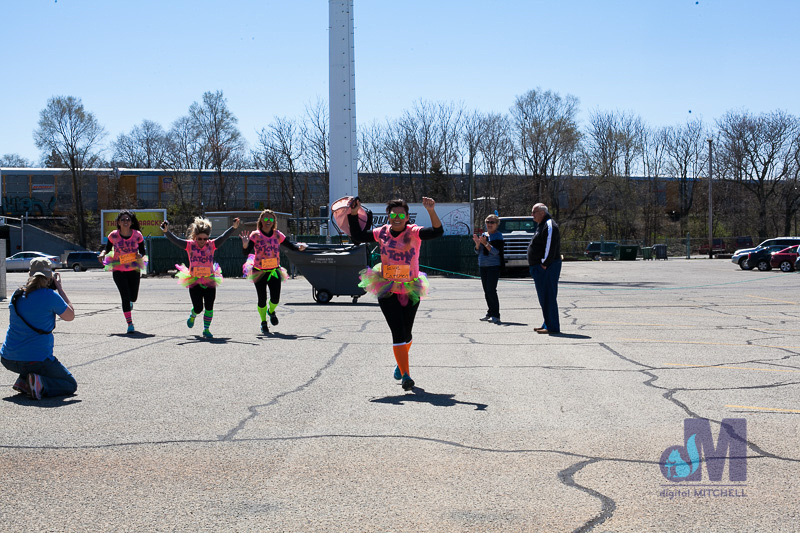 picture of the girls at the finish line at the Elkhart Amazing Race 2014