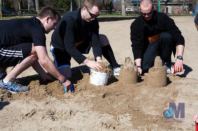 picture of making sandcastle at Elkhart Amazing Race 2014